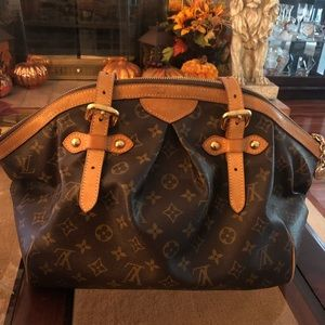 Louis Vuitton Tivoli GM Handbag